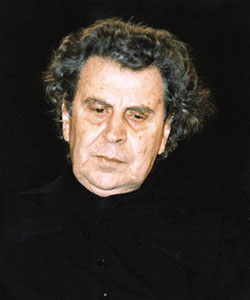 Music encounters speech and images in a grand production by the popular Orchestra Mikis Theodorakis. Music for theatre and cinema by the great Greek composer, Theodorakis, is performed at the Theatre of the Earth in Thessaloniki, by a constellation of artists, such as the famous folk singer Antonis ...